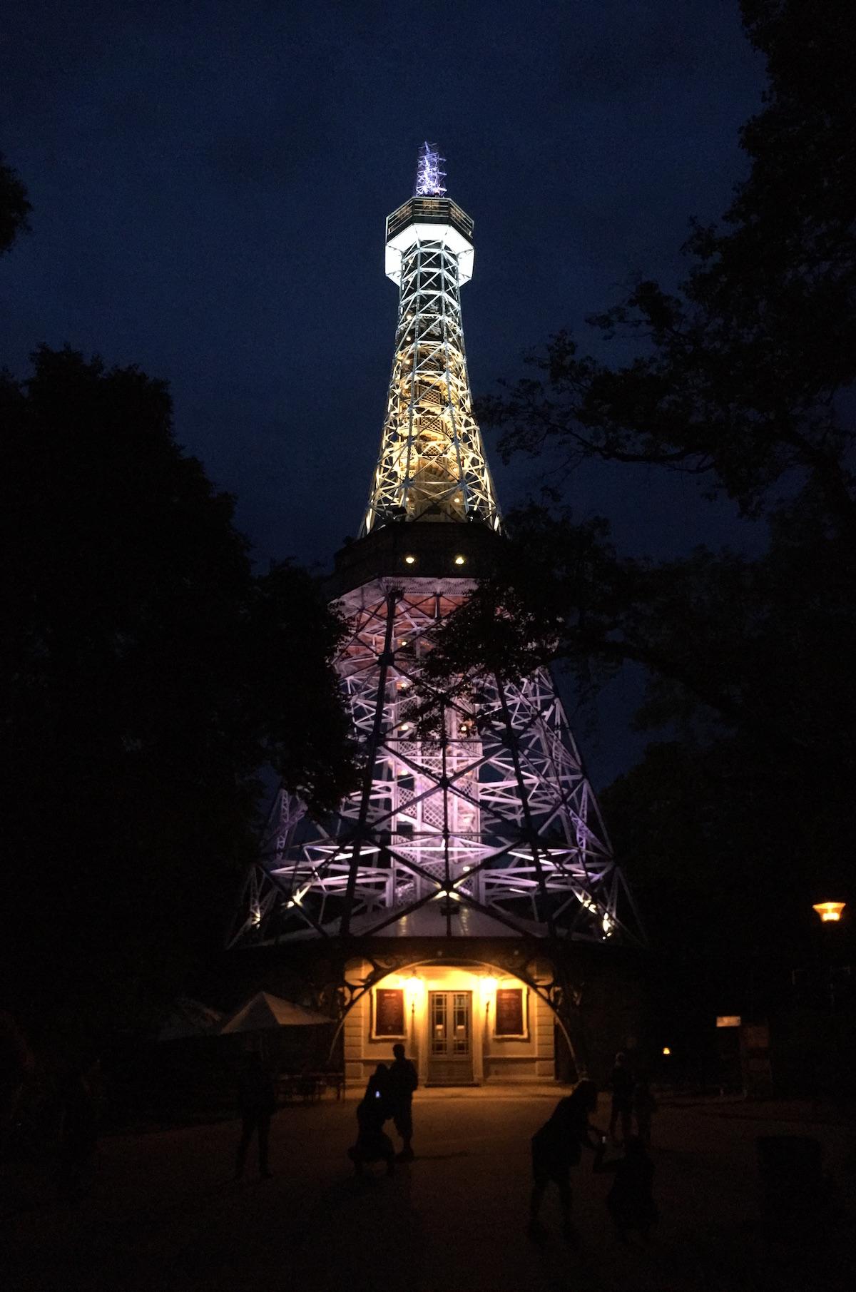 Beleuchte Eiffelturm-Kopie