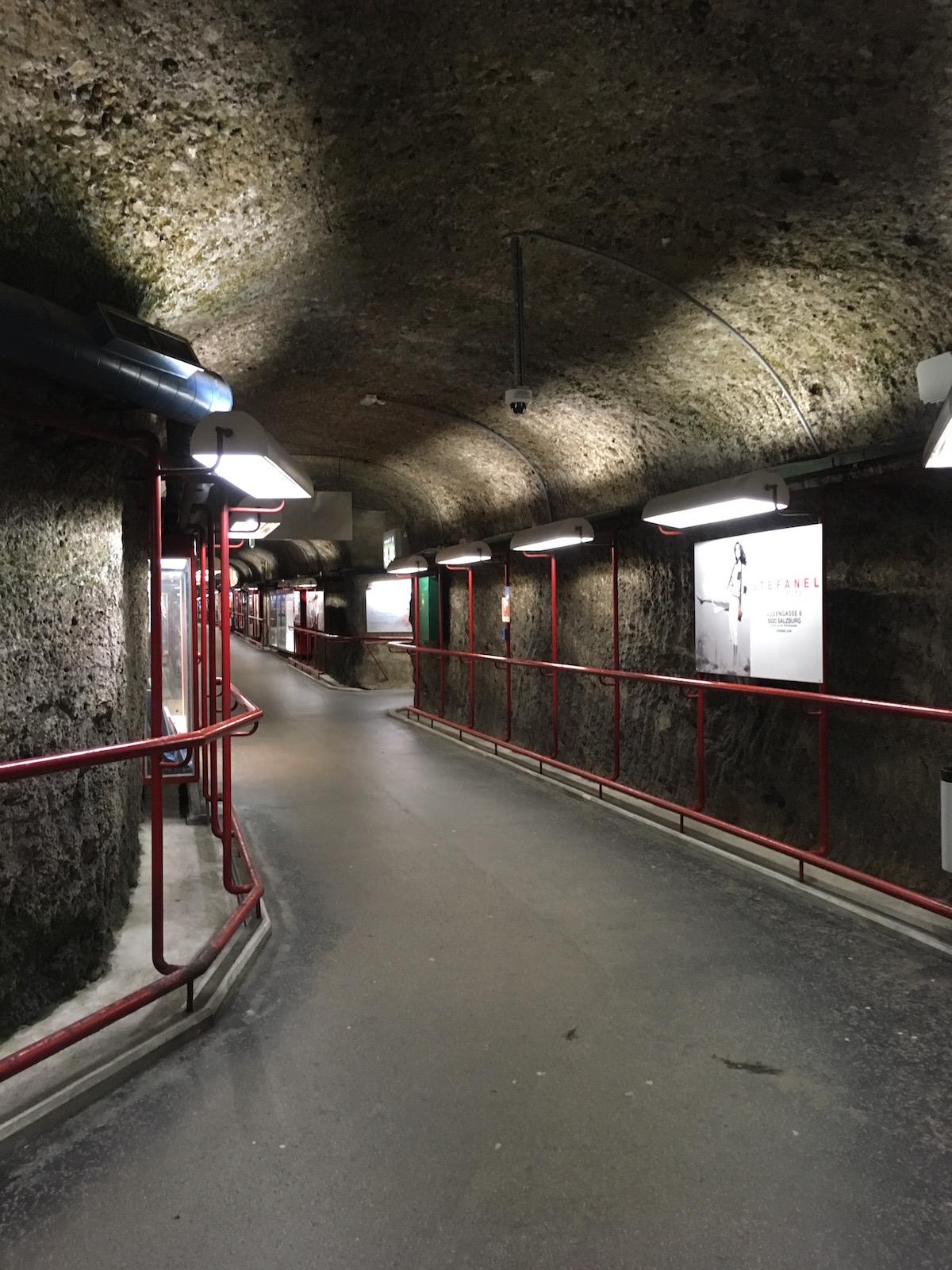 Fußgängertunnel-Irrgarten